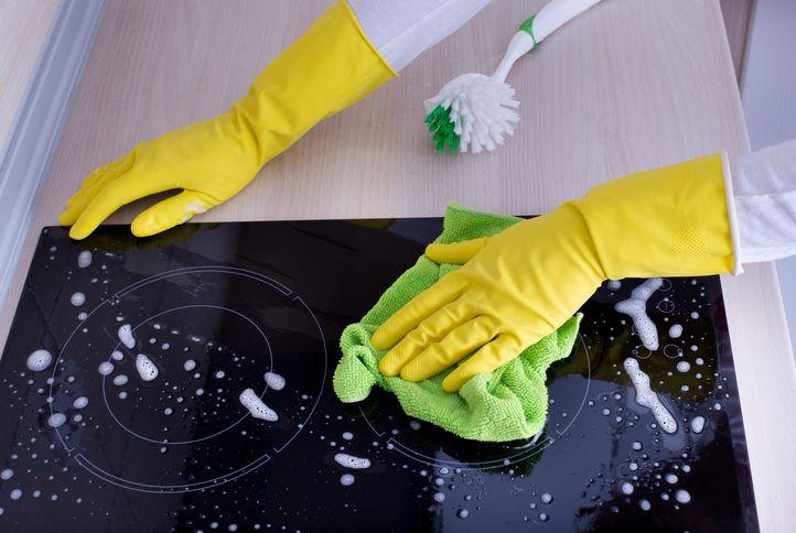 Astuces pour nettoyer une plaque vitrocéramique